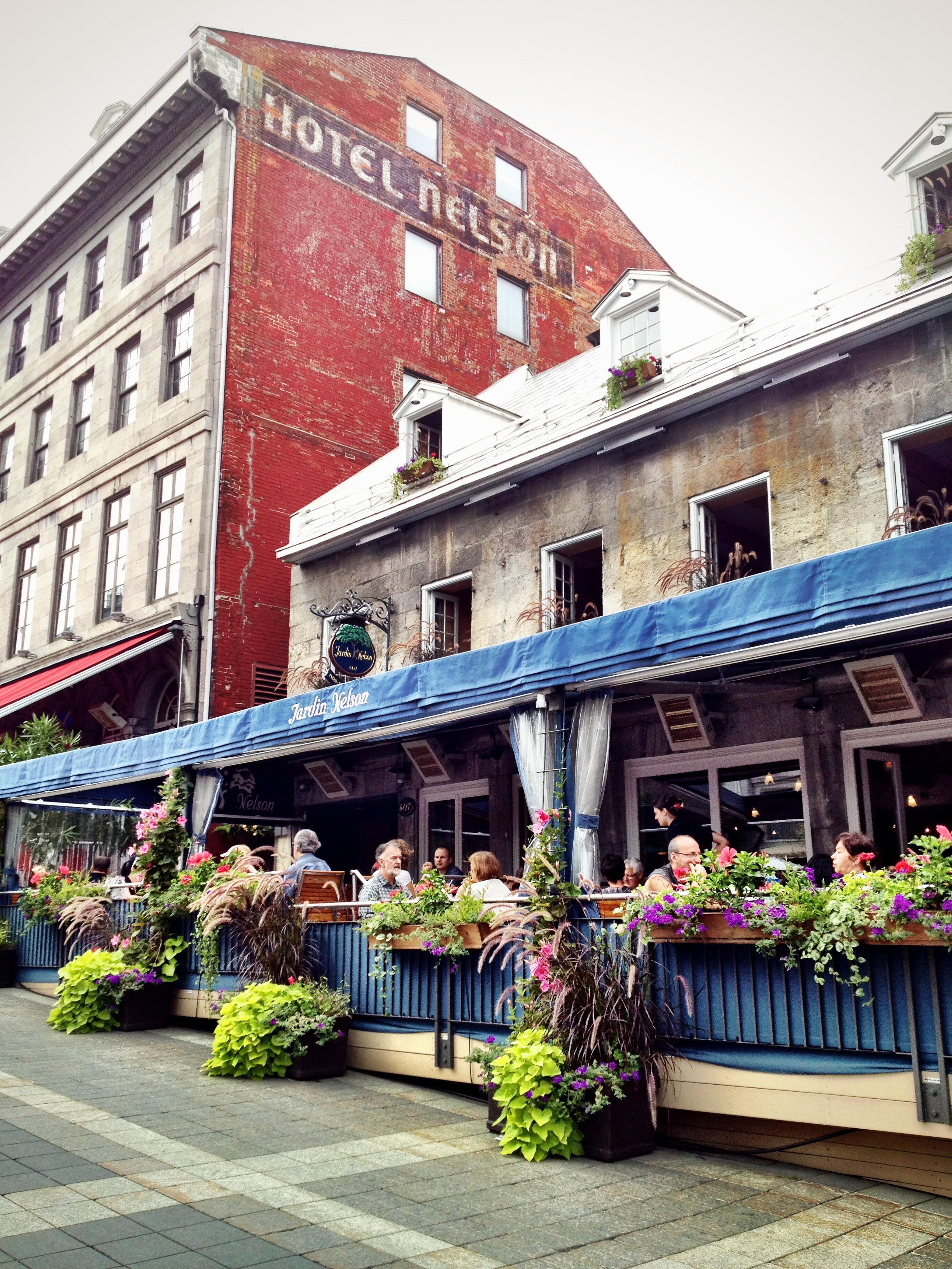 Jardin nelson in place jacques cartier cuteness in all for Jardin nelson montreal menu